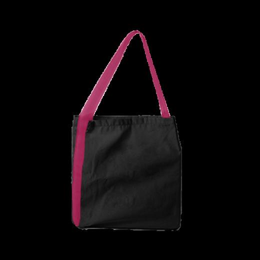 czarna torba z różową rączką